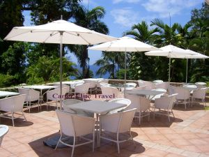 Sitting area outside of the reception area at Couples San Souci