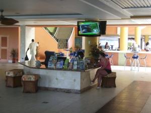 Lobby of the Holiday Inn Sunspree
