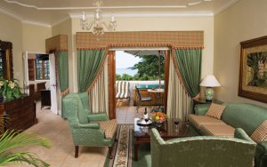 Grand Lido Suite Sitting Area