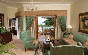 Grand Lido Suite Sitting Area