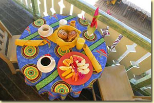 Breakfast table at Country Country